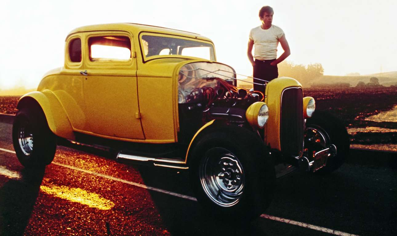 Ford Coupé ή Little Deuce Coupe. Το οδηγούσε ο Τζον Μίλνερ στο «American Graffiti», την ταινία-ορόσημο του Τζορτζ Λούκας, με το «deuce» (δυάρι) να προέρχεται από το «2» του 1932. Το οποίο, και λόγω της απλότητας κατασκευής του, δεν άργησε να γίνει το «Ιερό Δισκοπότηρο» του customizing