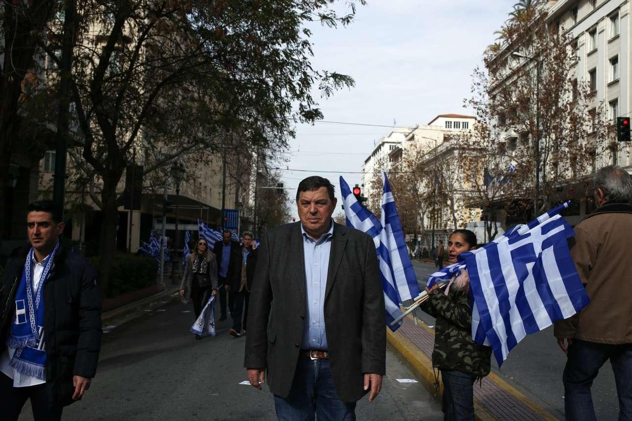 Ο μοναχικός στρατηγός Φραγκούλης Φράγκος. Σταρ στη Θεσσαλονίκη, ταπεινός στην Αθήνα