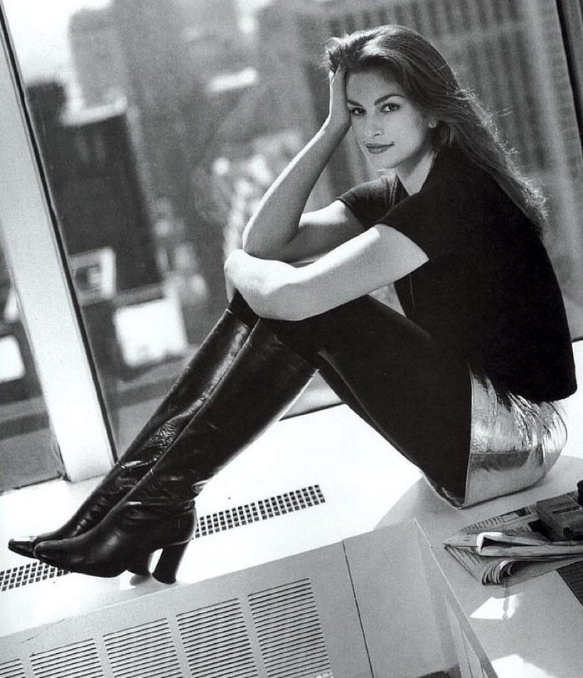 Ποζάροντας στα γραφεία της Vogue, την εποχή που δούλευε στο MTV