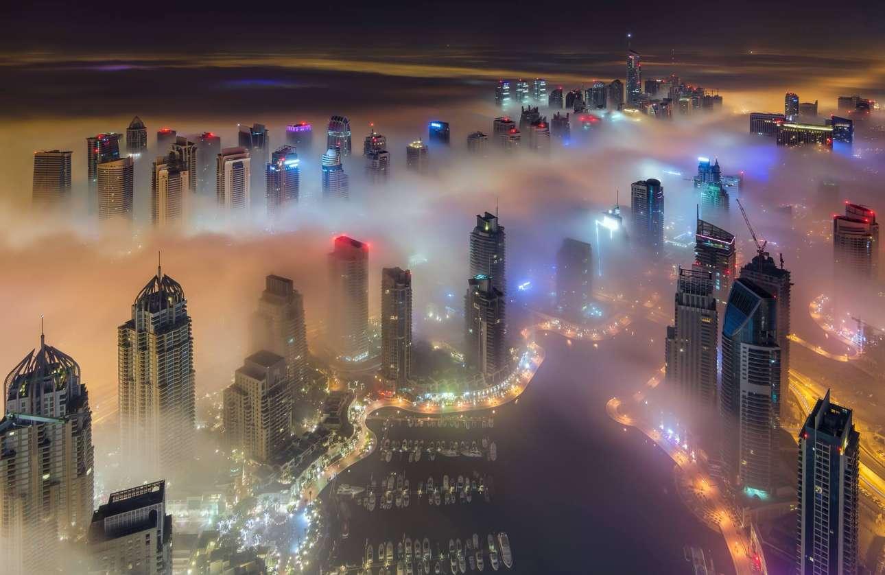 Η μαρίνα του Ντουμπάι τραβηγμένη από τον 101ο όροφο του Princess Tower