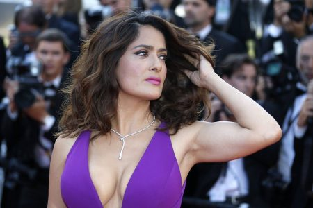 epa04753531 Mexican actress Salma Hayek arrives for the screening of 'Carol' during the 68th annual Cannes Film Festival, in Cannes, France, 17 May 2015. The movie is presented in the Official Competition of the festival which runs from 13 to 24 May.  EPA/SEBASTIEN NOGIER