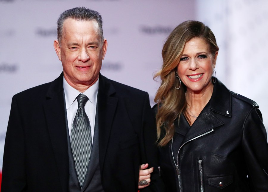 epa06429738 US actor/cast member Tom Hanks (L) and his wife, US actress Rita Wilson arrive at the European premiere of their movie 'The Post' in London, Britain, 10 January 2018. The movie opens in British theaters on 19 January. EPA/NEIL HALL