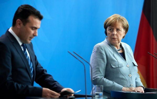 epa06550156 (L-R) Prime Minister of the former Yugoslav Republic of Macedonia Zoran Zaev and German Chancellor Angela Merkel attend a joint press conference at the Chancellery in Berlin, Germany, 21 February 2018. The first bilateral meeting between PM Zaev and German Chancellor Merkel took place on the sidelines of the EU-Western Balkans Summit in July 2017. EPA/HAYOUNG JEON