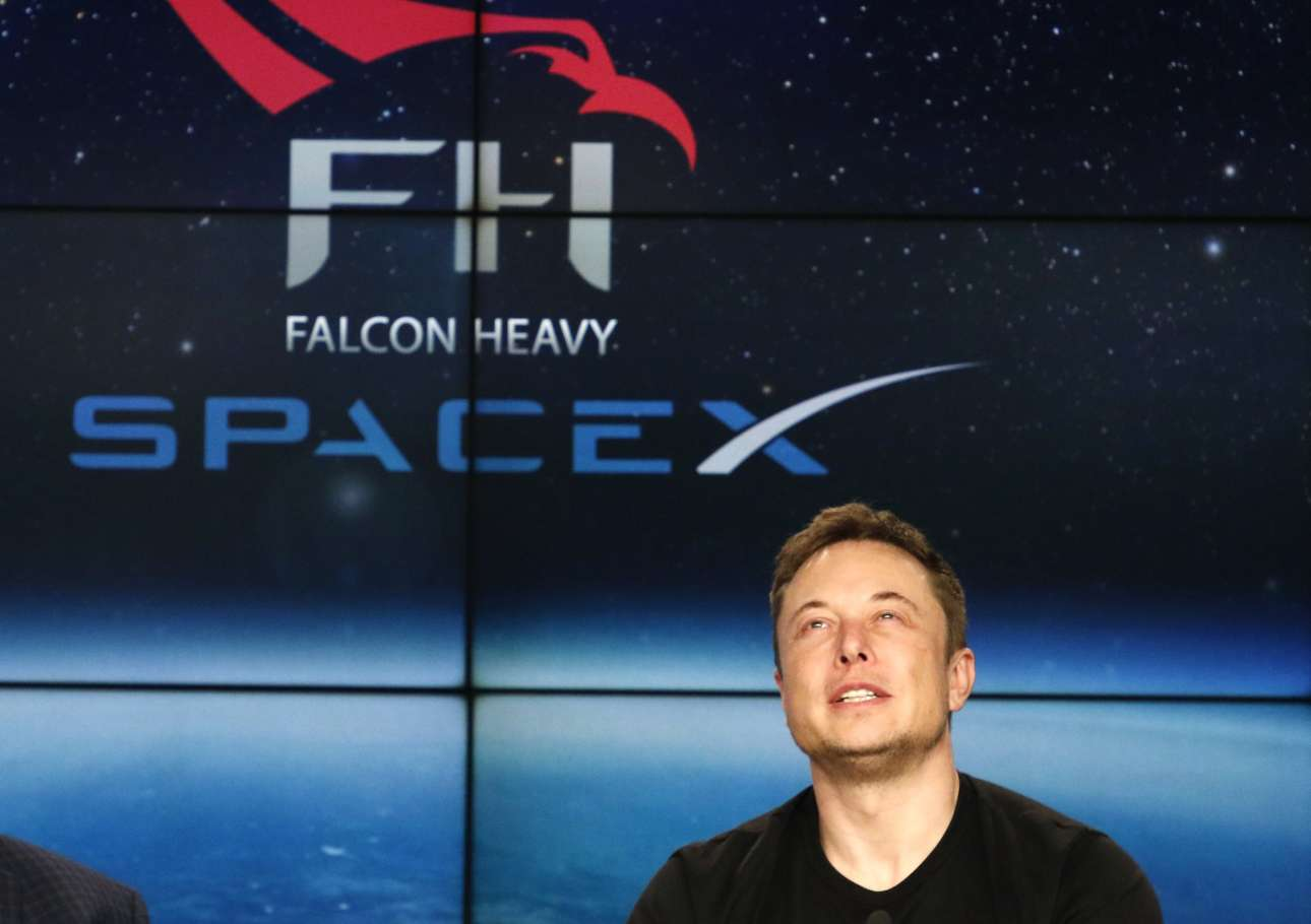 2018-02-07T001546Z_1656774117_HP1EE2700QAOG_RTRMADP_3_SPACE-SPACEX-HEAVY