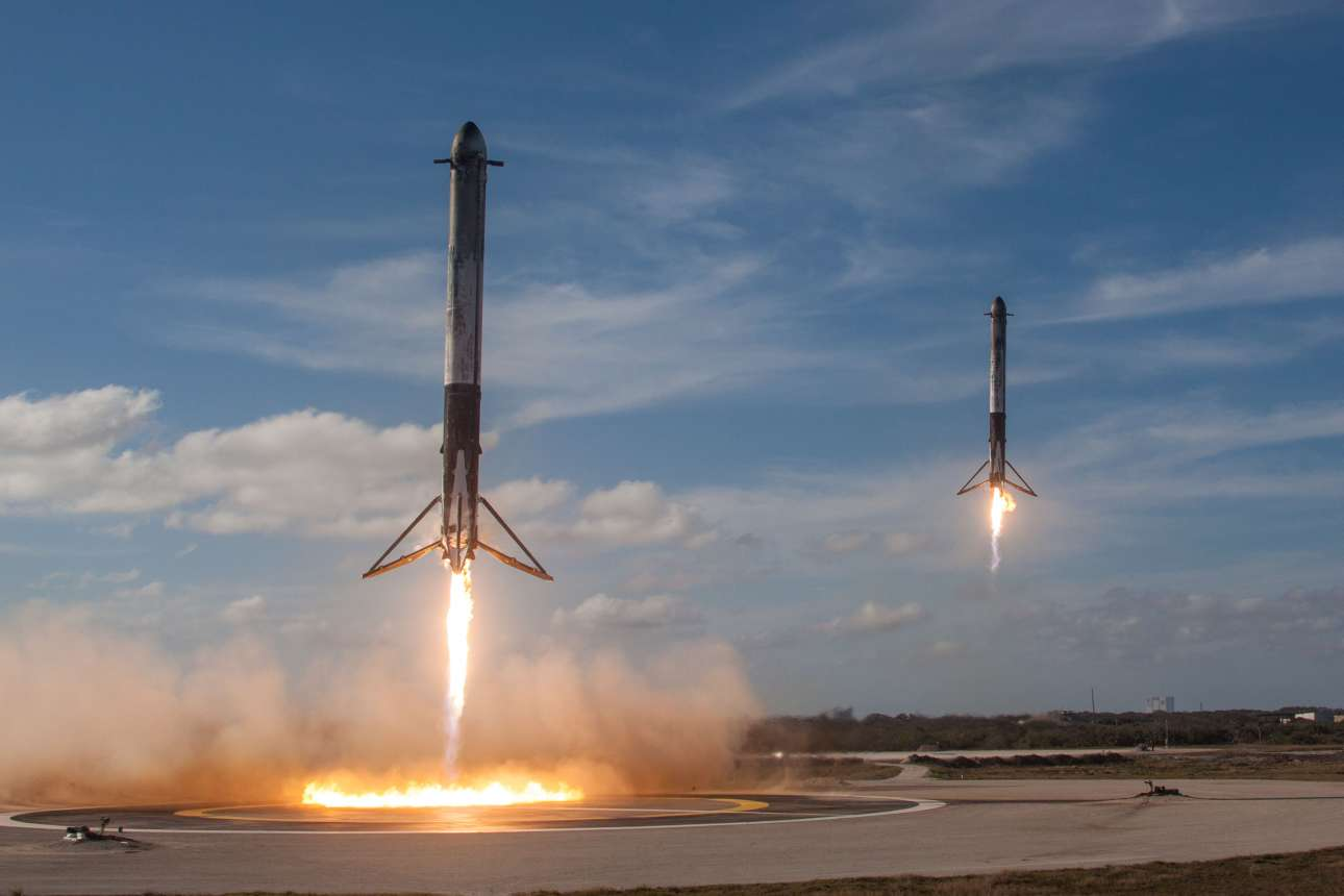 2018-02-07T034016Z_530788455_RC12F0A52690_RTRMADP_3_SPACE-SPACEX-HEAVY