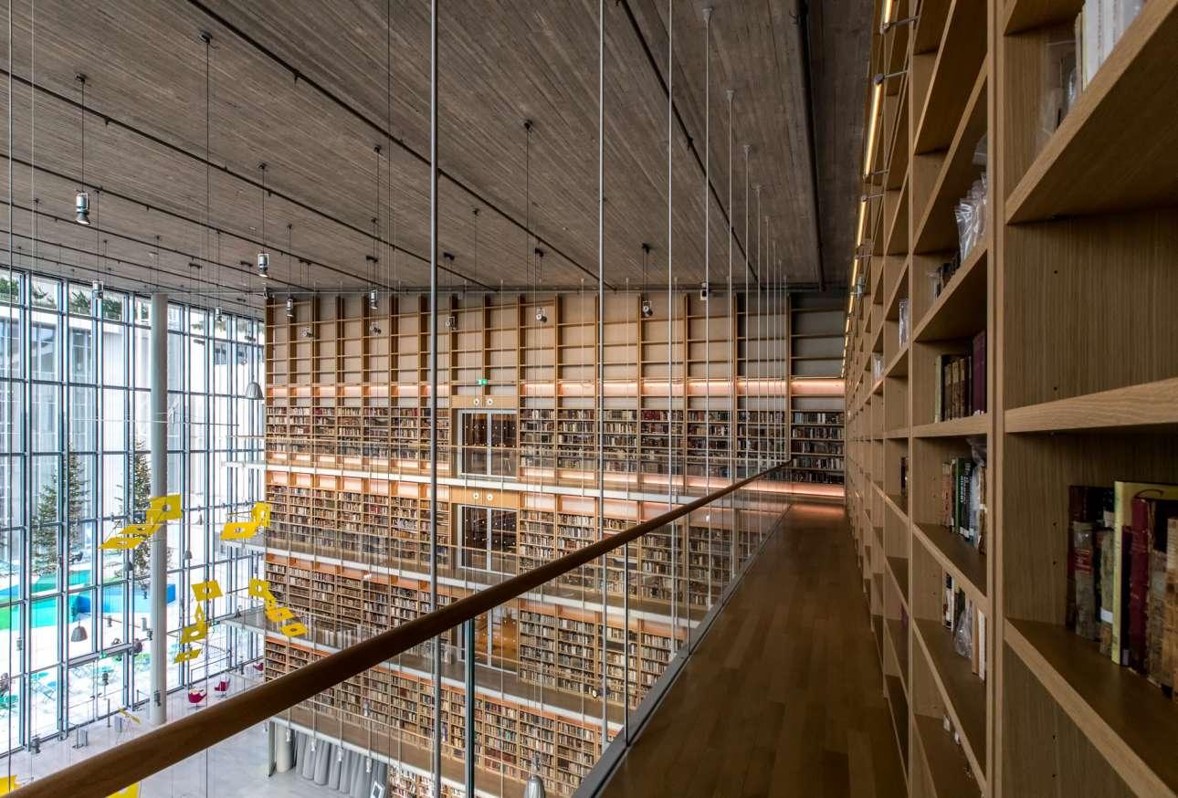 Πύργος Βιβλίων της νέας Εθνικής Βιβλιοθήκης της Ελλάδος στο Κέντρο Πολιτισμού Ιδρυμα Σταύρος Νιάρχος