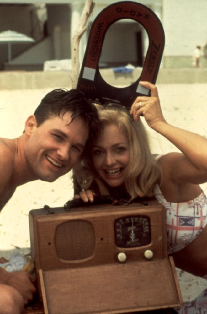 SWING SHIFT, Kurt Russell, Goldie Hawn, 1984, portable radio from the forties