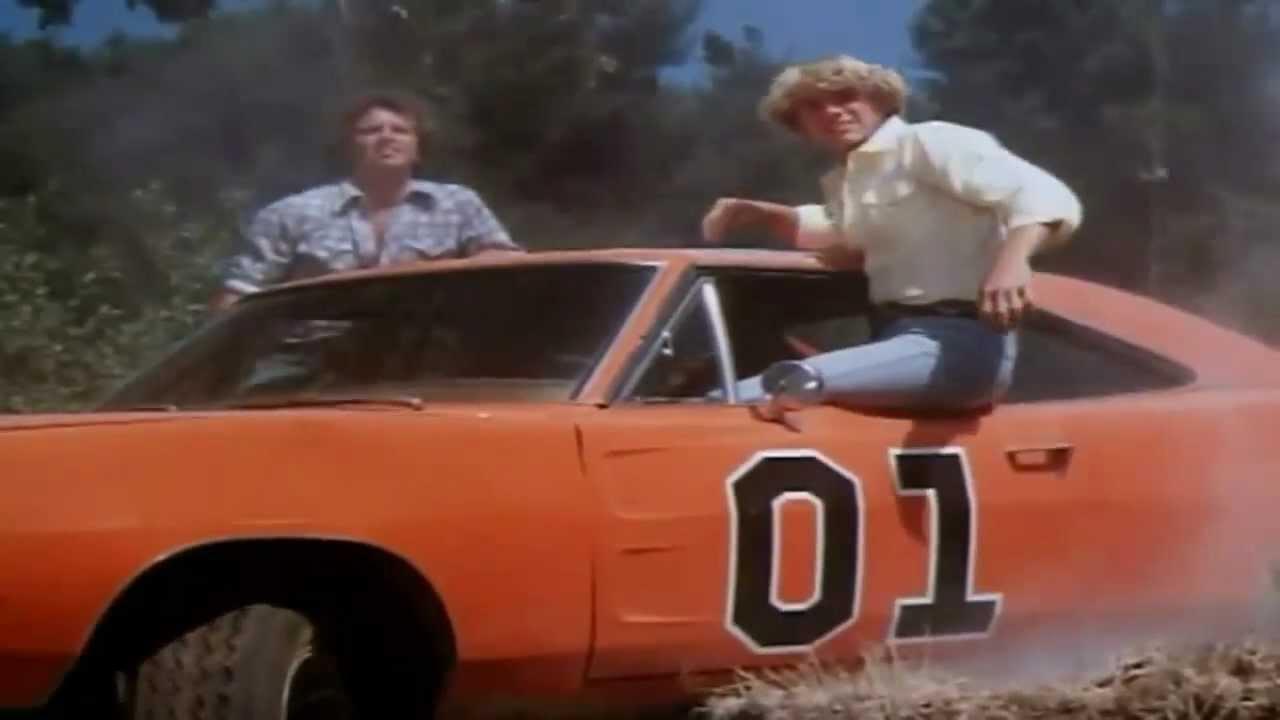 Dodge Charger («General Lee») – The Dukes of Hazzard: Καθοριστικό ρόλο στην καθιέρωση του σίριαλ είχε το θρυλικό αυτοκίνητο των πρωταγωνιστών, ο γνωστός «Στρατηγός Λι», ένα Charger του 1969, χρώματος πορτοκαλί. Οι κινητήρες ήταν πολλοί και διάφοροι και επιλέγονταν ανάλογα με το σενάριο. Για τις απλές σκηνές αρκούσε ένας 5,2 lt με 318 ίππους, ενώ για τα περίφημα άλματα τα αυτοκίνητα έφεραν τον 7,2 lt, με 440 ίππους. Τα διακριτικά που είχε (οι αριθμοί 01 στις πόρτες και η σημαία του αμερικανικού Νότου) το έκαναν ξεχωριστό. Μάλιστα, η κόρνα με τον χαρακτηριστικό ήχο «Dixie» πωλείται ακόμα και τώρα.