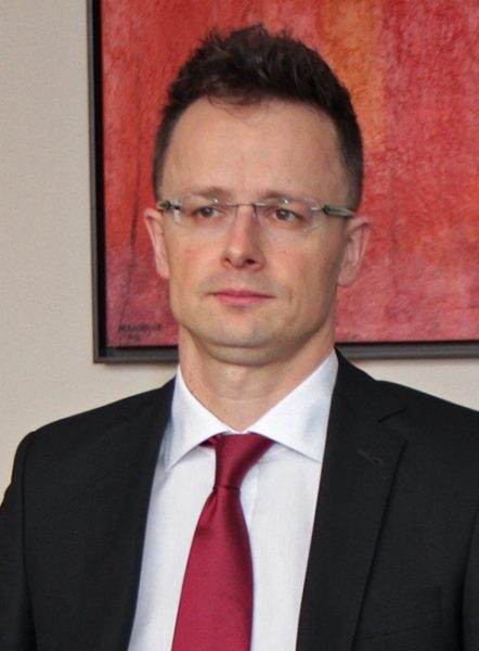 O Πέτερ Σιγιάρτο (wikipedia commons)