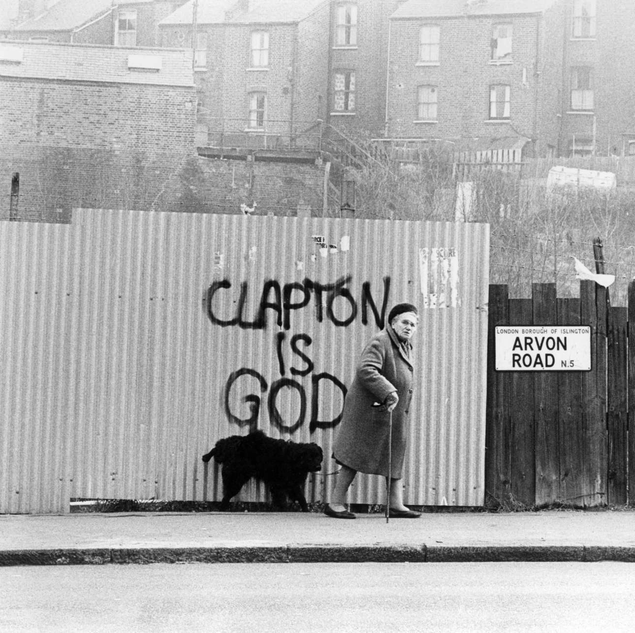 Στο γκρίζο Λονδίνο των 60's, ο μύθος του Κλάπτον ήταν από τοίχο σε τοίχο (flickr)