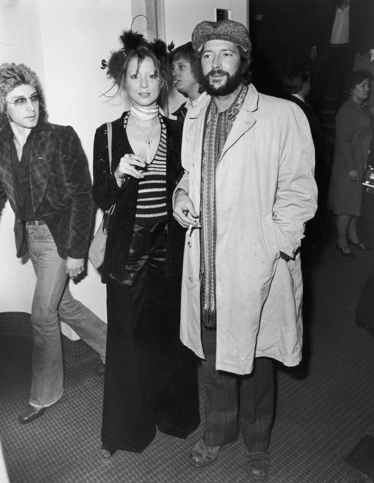 Με τον μοιραίο έρωτα της ζωής του, Πάτι Μπόιντ, στην πρεμιέρα της ροκ όπερας των Who, «Tommy», τον Μάρτιο του 1975 Central Press Hulton Archive Getty Images/ Ideal Images)