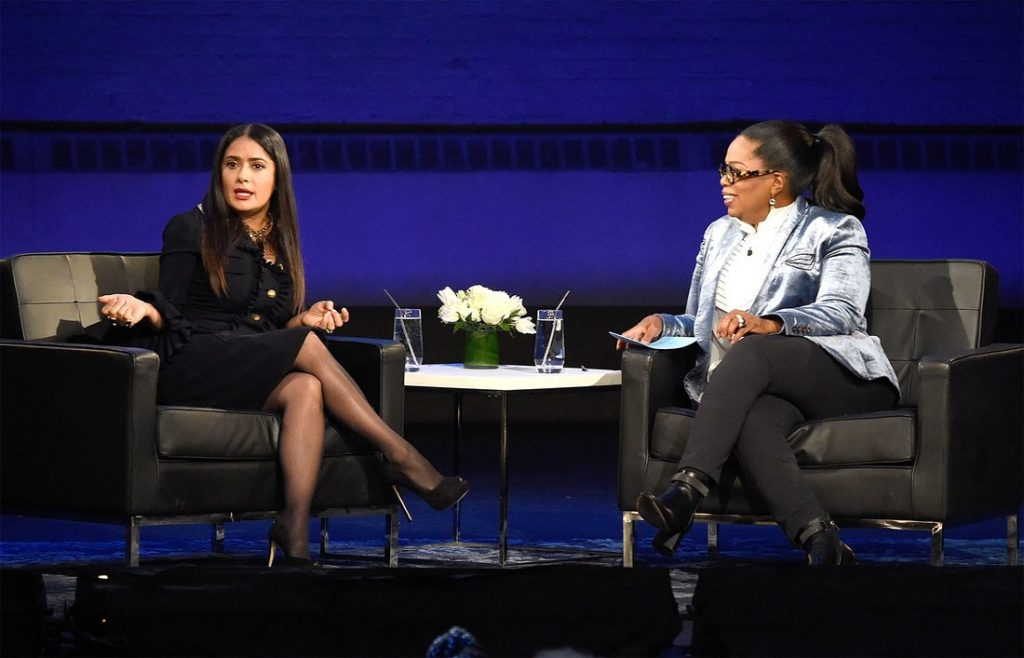 "NEW YORK, NY - FEBRUARY 07: Salma Hayek Pinault and Oprah speak onstage during ""Oprah's Super Soul Conversations"" at The Apollo Theater on February 7, 2018 in New York City. (Photo by Kevin Mazur/Getty Images)"