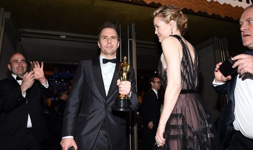 HOLLYWOOD, CA - MARCH 04: Actor Sam Rockwell  winner of the Best Supporting Actor award for 'Three Billboards Outside Ebbing, Missouri and Leslie Bibb attend the 90th Annual Academy Awards Governors Ball at Hollywood & Highland Center on March 4, 2018 in Hollywood, California.  (Photo by Kevork Djansezian/Getty Images)
