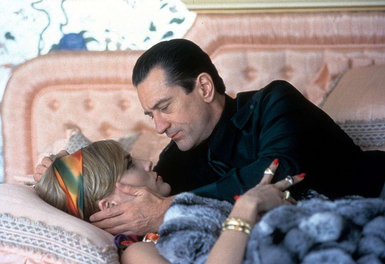 Στο κρεβάτι με τον Ρόμπερτ ντε Νίρο στο «Καζίνο» (1995) του Μάρτιν Σκορτσέζε
