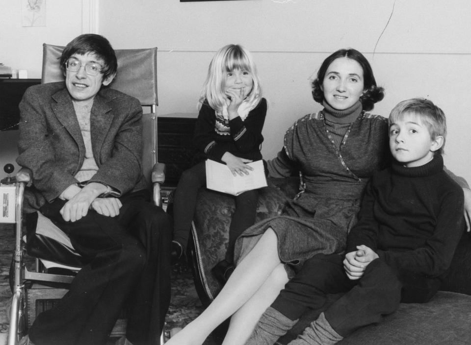 Με τη σύζυγό του Τζέιν Γουάιλντ και δύο από τα τρία παιδιά τους. Το ζευγάρι χώρισε το 1990, καθώς σύμφωνα με τη τότε γυναίκα του «η ζωή τους έγινε πολύ μπερδεμένη αφότου έγινε διάσημος»