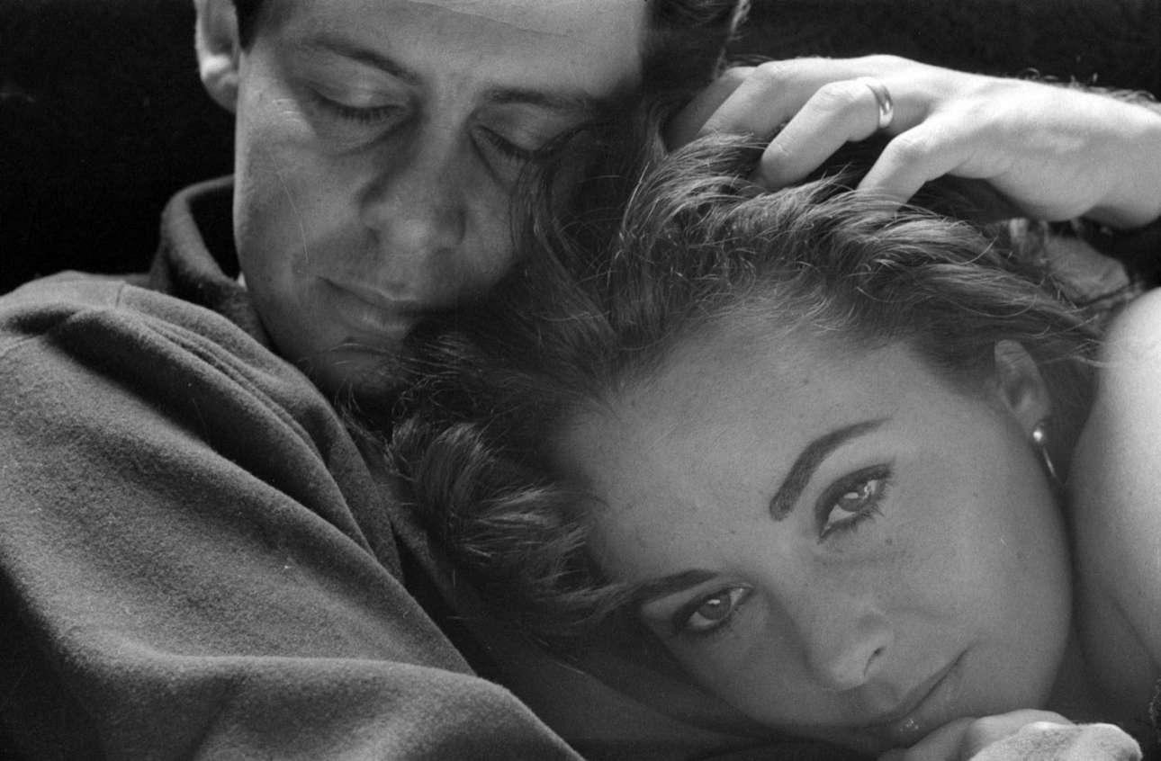 Η σαγηνευτική Ελίζαμπεθ Τέιλορ στην αγκαλιά του (τότε) συζύγου της Εντι Φίσερ