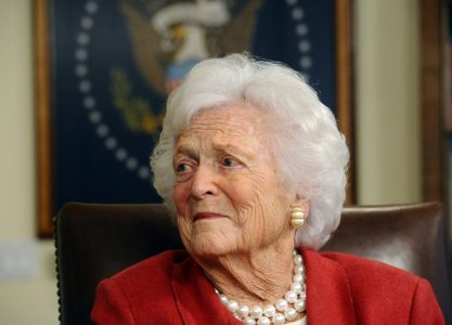 epa03164751 Former First Ladey Barbara Bush and wife of Former President George H.W. Bush in his office in Houston, Texas, USA, 29 March 2012. Former US President George H.W. Bush endorsed Former Governor of Massachusetts and US Republican Presidential hopeful Mitt Romney for President.  EPA/LARRY W. SMITH