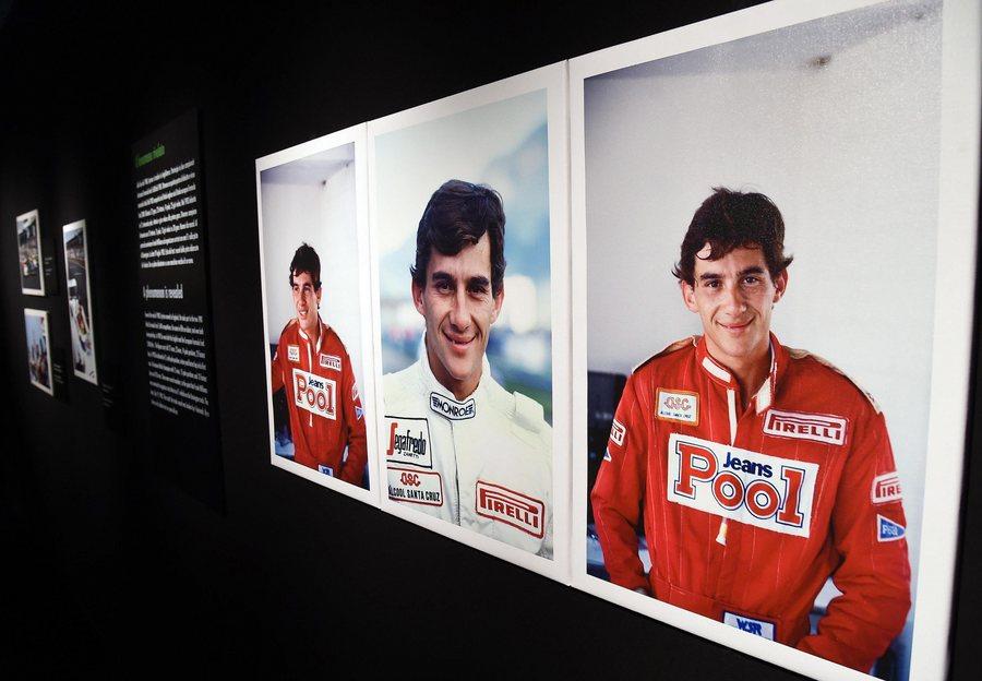 Τρία πορτρέτα του Σένα στην έκθεση «Ayrton Senna. The last night» στη Μόντσα το 2016