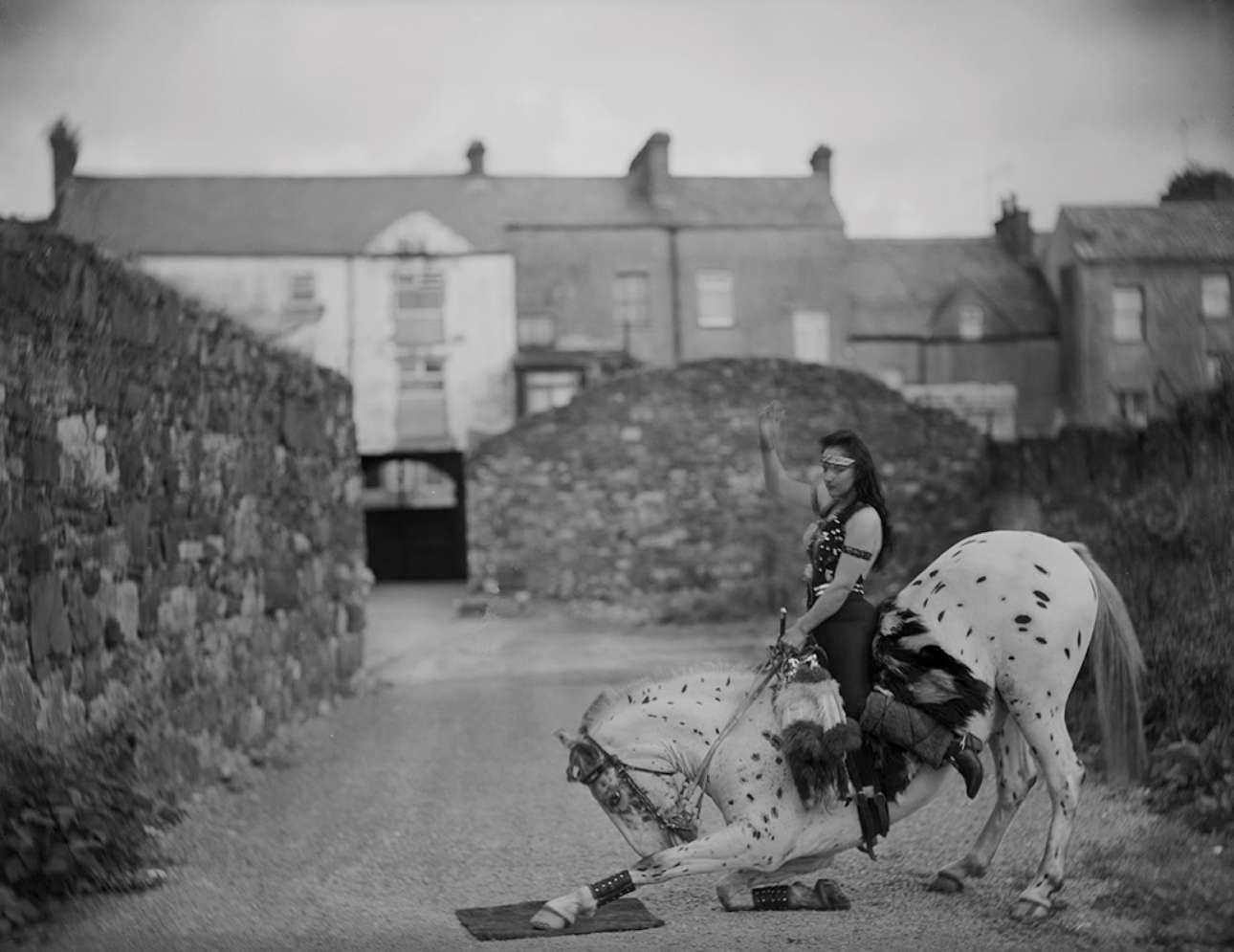 Η Καρολάιν Γκερμπόλα με το άλογο της Κοντσίτα στο τσίρκο Fossett στην Ιρλανδία, το 1986