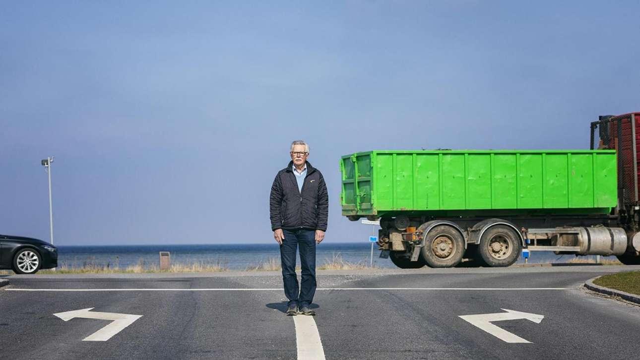 77 ετών σήμερα, εκείνη την ιστορική στιγμή ήταν 26 και μόλις είχε ξεκινήσει να εργάζεται ως μηχανικός συστημάτων διαχείρισης κυκλοφορίας (Jan Søndergaard)