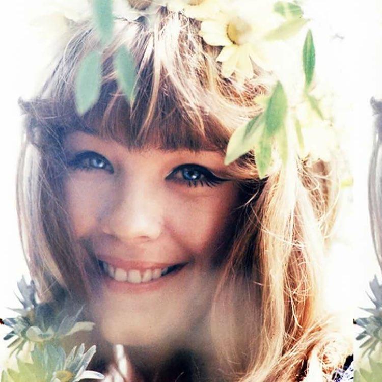 Καλλονή για την εποχή της, την εποχή των παιδιών των λουλουδιών