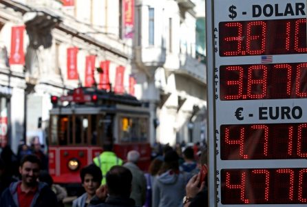 epa06600574 People walk at Istiklal street in Istanbul, Turkey, 13 March 2018. According to reports on 13 March, Turkish Lira hit record low against major currencies, recording 4.77 liras against the euro.  EPA/ERDEM SAHIN