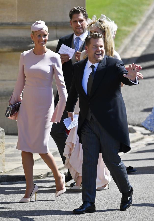 Ο βρετανός κωμικός και παρουσιαστής του «Late Late Show» Τζέιμς Κόρντεν με τη σύζυγό του Τζούλια Κάρεϊ