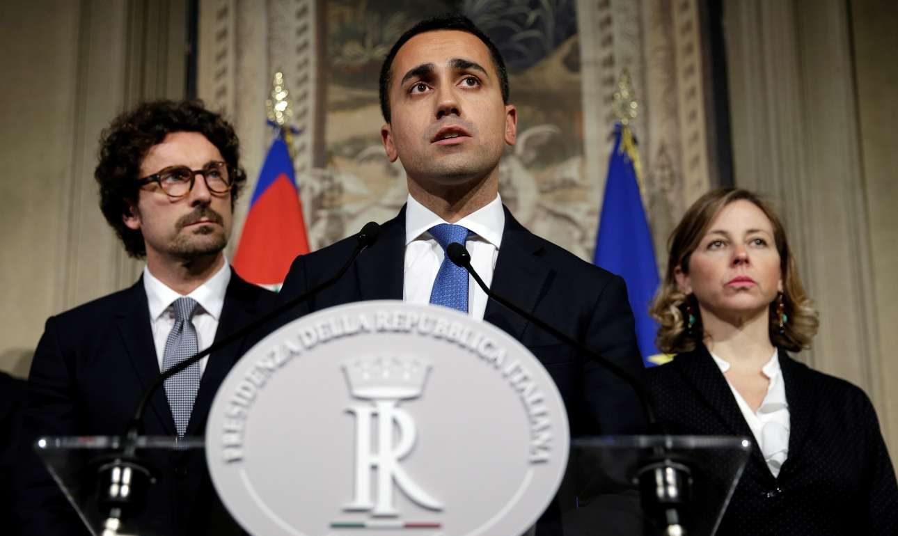 2018-05-13T113002Z_371136730_RC12635BDF80_RTRMADP_3_ITALY-POLITICS-ECONOMY-e1526273823400
