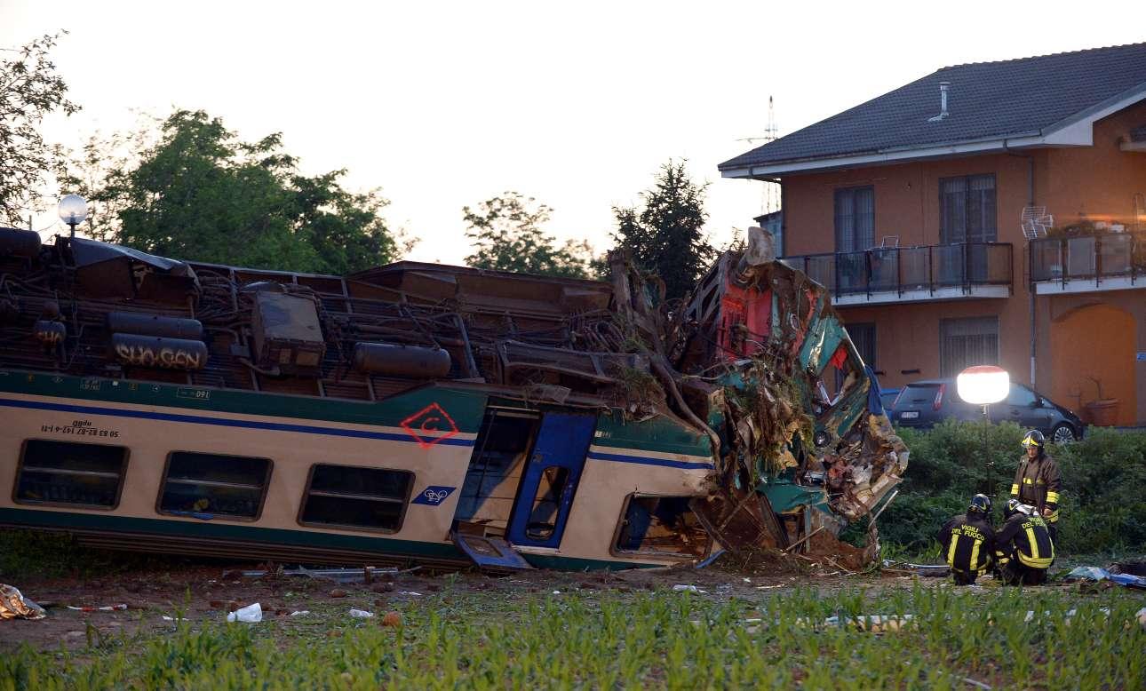 Νεκροί και τραυματίες σε σύγκρουση τρένου με νταλίκα στη βόρεια Ιταλία