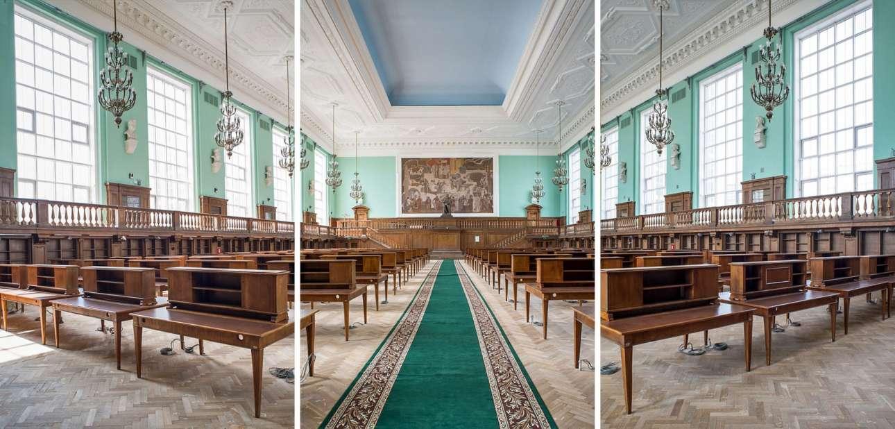 Το αναγνωστήριο μέσα σε μία από τις μεγαλύτερες βιβλιοθήκες της Ευρώπης, την Κρατική Βιβλιοθήκη της Ρωσίας