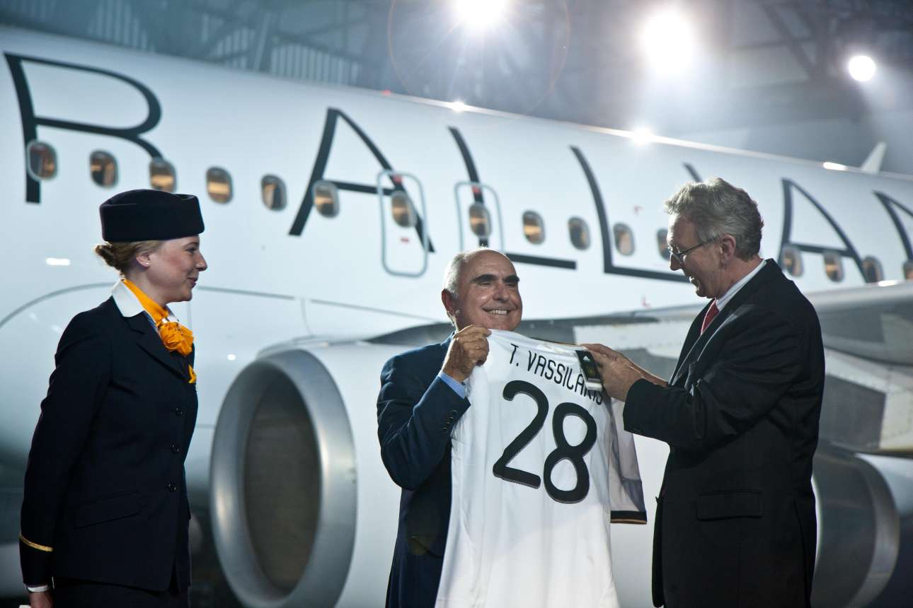 Theodore Vassilakis, CEO, Aegean Airlines accepts a football (soccer) jersey from Lufthansa CEO Wolfgang Mayrhuber. The number 28 signifies the 28th member of the alliance May 2010
