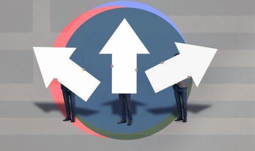 Three men holding white arrows_Protagon