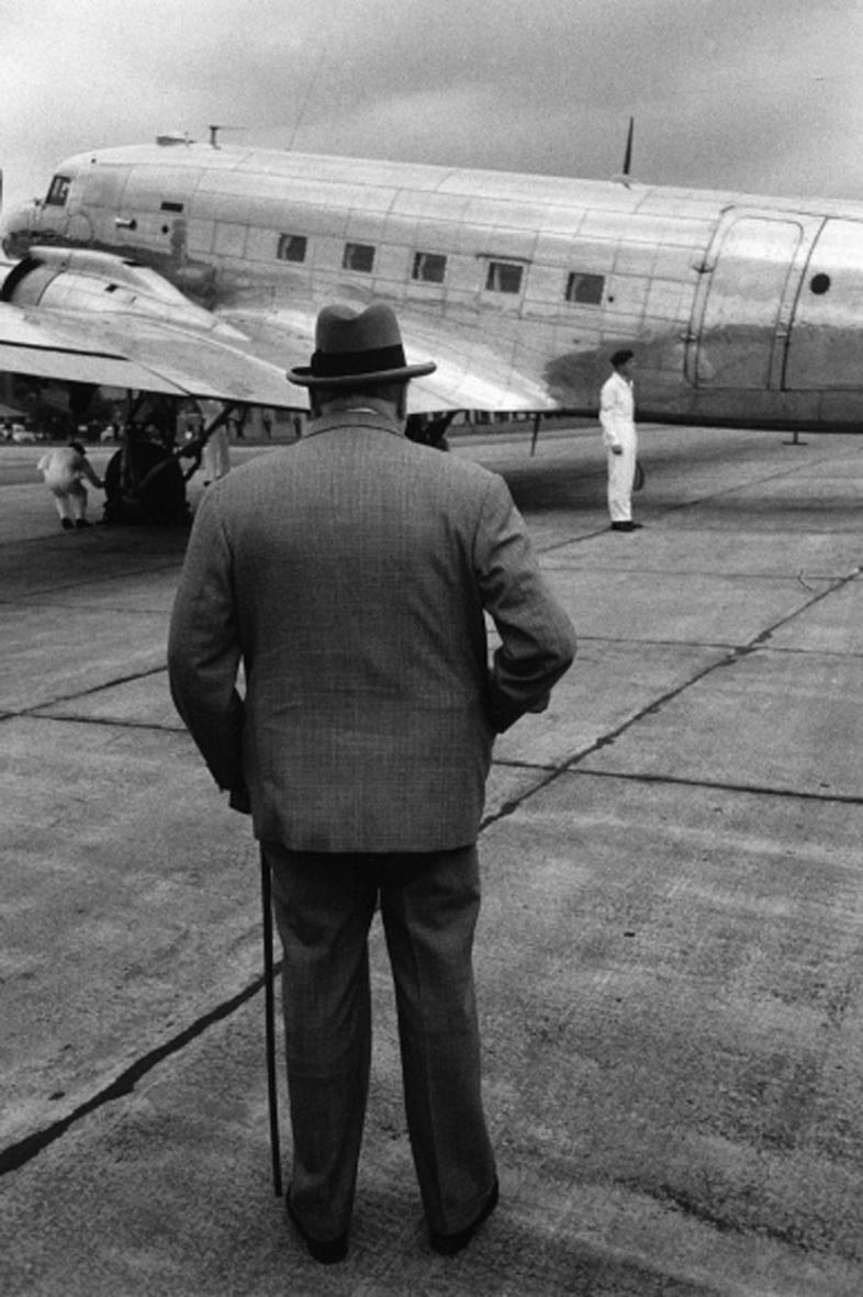 Η επιβλητική φιγούρα του Γουίνστον Τσόρτσιλ, το 1954