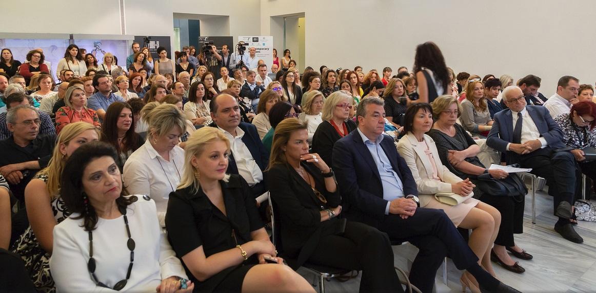 Από αριστερά: Ρόδη Κράτσα, Σοφία Κοκοσαλάκη, Τζίνα Μαμιδάκη, Σταύρος Αρναουτάκης, Δρ. Στέλλα Μανδαλάκη, Δρ. Μαρία Βλαζάκη