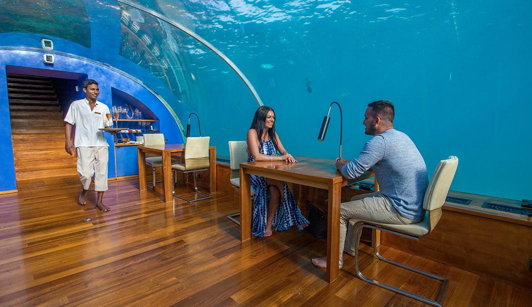 ithaa-undersea-restaurant-dining-1063x614