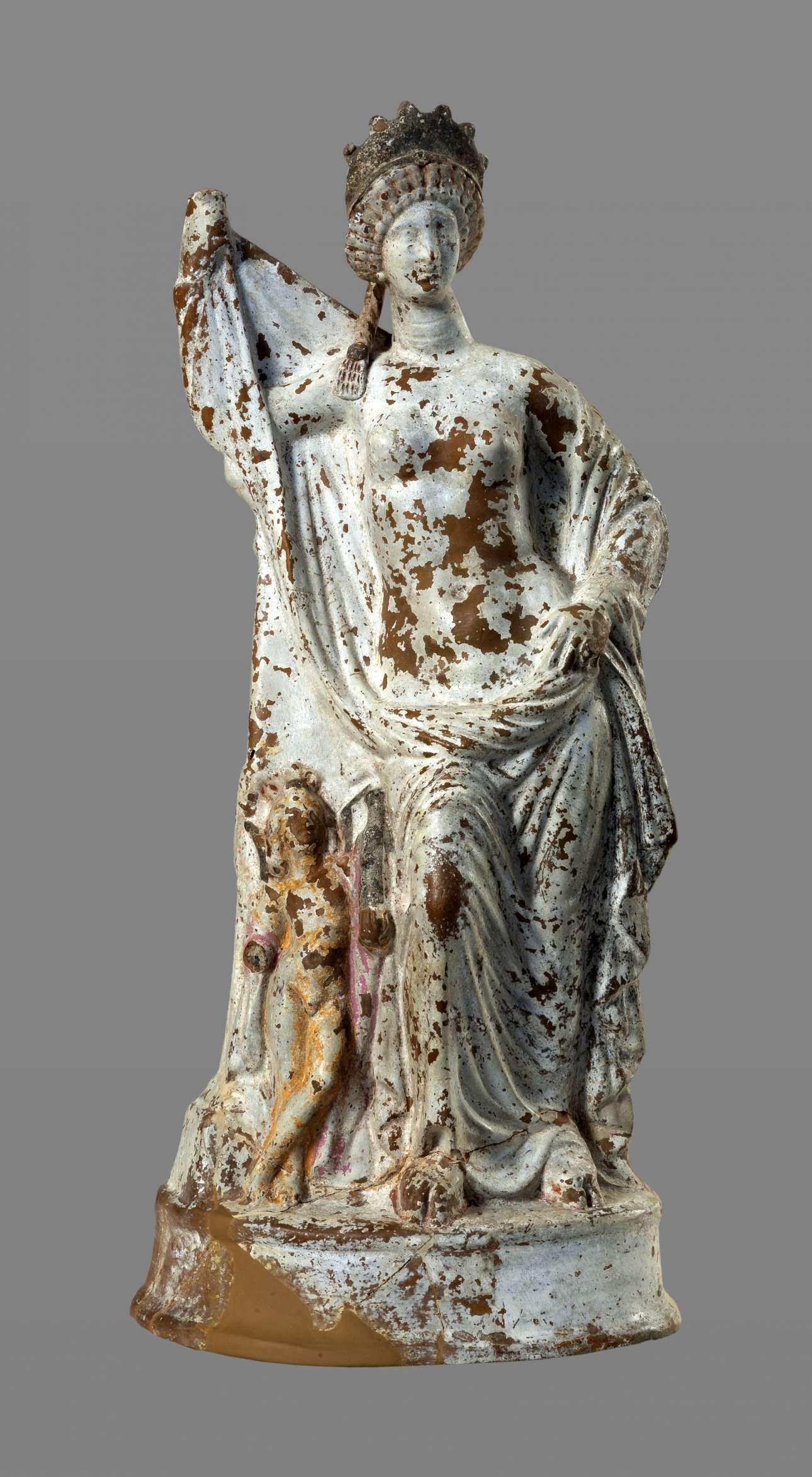 Πήλινο αγαλμάτιο της θεάς Αφροδίτης (Ύστερος 2ος/1ος αι. π.Χ.), (© ΕΑΜ/ΤΑΠ.  Φωτ. Σ. Μαυρομμάτης)