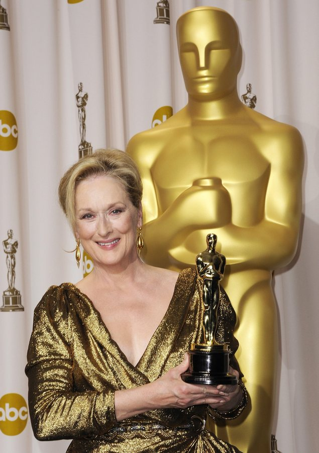 epa04024681 (FILE) A file picture dated 26 February 2012 shows US actress Meryl Streep holding the Oscar for Actress in a Leading Role for 'The Iron Lady' during the 84th annual Academy Awards at the Hollywood and Highland Center in Hollywood, California, USA. Streep has been nominated for an Oscar in the category Best Actress for her role in 'August: Osage County' at the 86th Academy Awards that will take place on 02 March 2014 in Hollywood, Los Angeles, California, USA. EPA/PAUL BUCK *** Local Caption *** 50235399