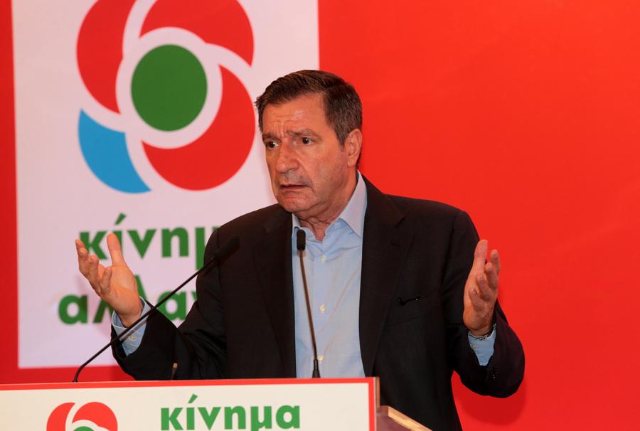 Ο Γιώργος Καμίνης μιλά στη συνεδρίαση (φωτό: ΑΠΕ-ΜΠΕ)