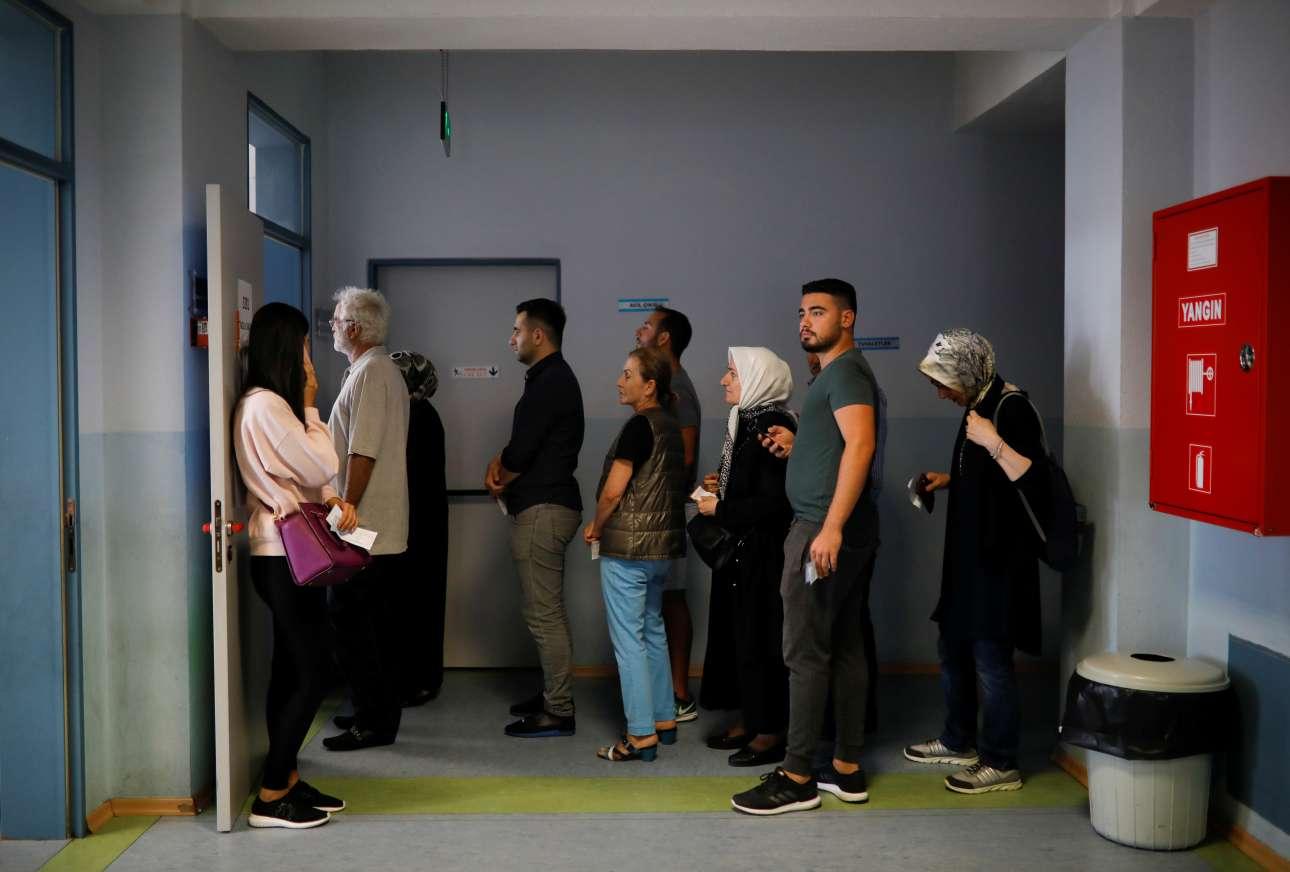 Η συμμετοχή στις τουρκικές εκλογές παραδοσιακά είναι αρκετά μεγάλη