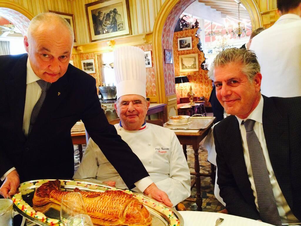Στη Λυόν με τον θρυλικό γάλλο σεφ Πολ Μποκύζ στα γυρίσματα ενός ιστορικού επεισοδίου του «Parts Unknown»