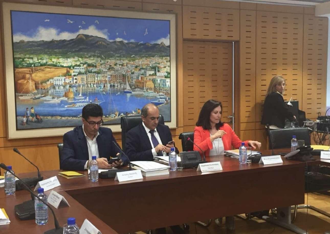 Η Αννα Διαμαντοπούλου μεταξύ των ομιλητών του συνεδρίου (todiktyo)