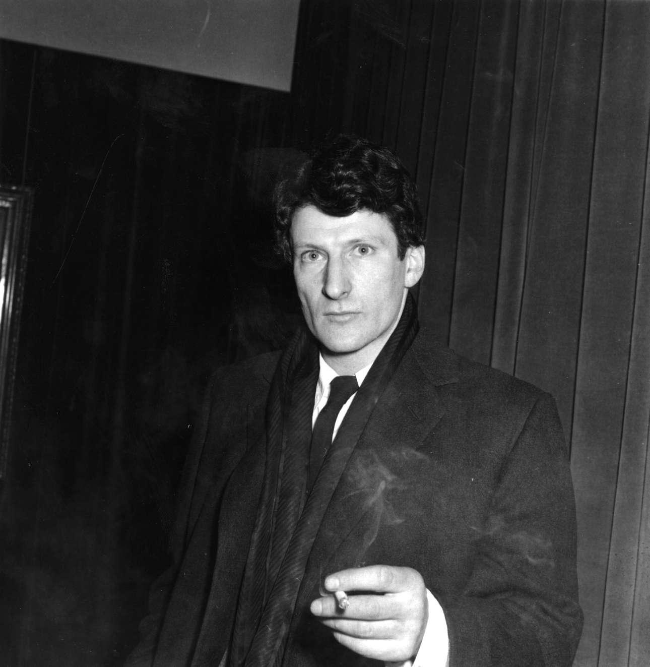 Λούσιαν Φρόιντ. Ο διάσημος ζωγράφος και εγγονός του Σίγκμουντ Φρόιντ γεννήθηκε στη Γερμανία, αλλά τελικά μετεγκαταστάθηκε μόνιμα στο Λονδίνο καθώς εγκατέλειψαν οικογενειακώς το 1933 την πατρίδα τους εξαιτίας της εβραϊκής καταγωγής τους