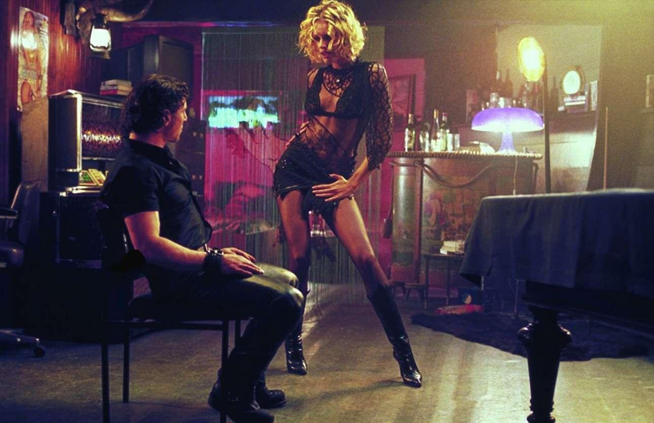 Ο αισθησιακός χορός της Ρεμπέκα Ρομέιν-Στάμος στην ταινία του Ντε Πάλμα «Φαμ φατάλ» (2002) έχει χαραχθεί ανεξίτηλα στη μνήμη μας