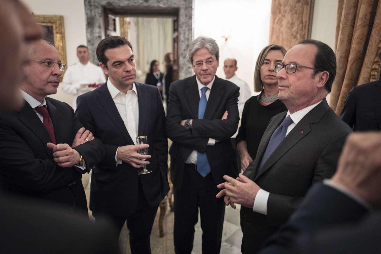 Μάρτιος 2017. Στη Ρώμη για τα 60χρονα από την υπογραφή της Συνθήκης της Ρώμης, ιδρυτικής πράξης της ΕΕ. Ακούει τον Φρανσουά Ολάντ να αγορεύει