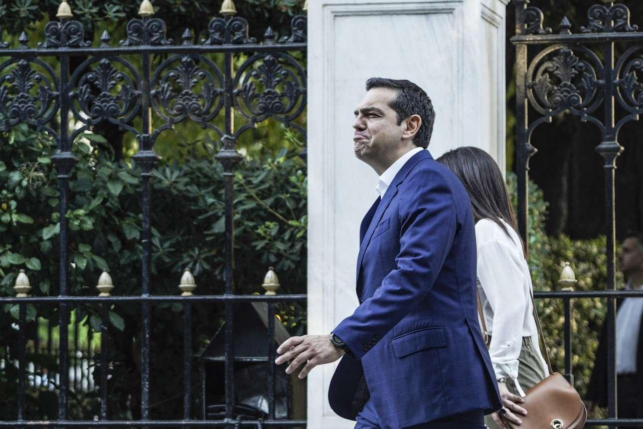 Ιούνιος 2019. Κάνει τα βήματα που απαιτούνται για να πάει από το Μαξίμου στο Προεδρικό και να ζητήσει τη διάλυση της Βουλής για την προκήρυξη των εκλογών της 7ης Ιουλίου. Το τέλος του σχεδίου περί εξάντλησης της τετραετίας