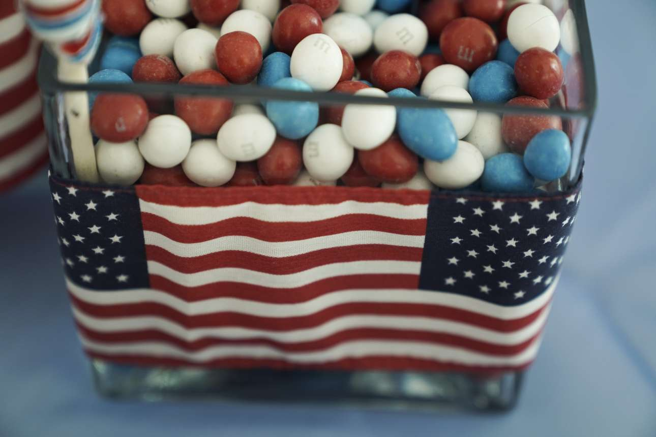 Καραμέλες στα χρώματα της αμερικανικής σημαίας