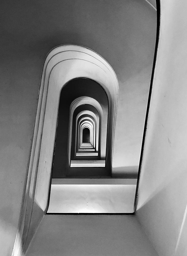 Πρώτη θέση στην κατηγορία Αρχιτεκτονική. Σκάλα σε πολυκατοικία της Ρώμης