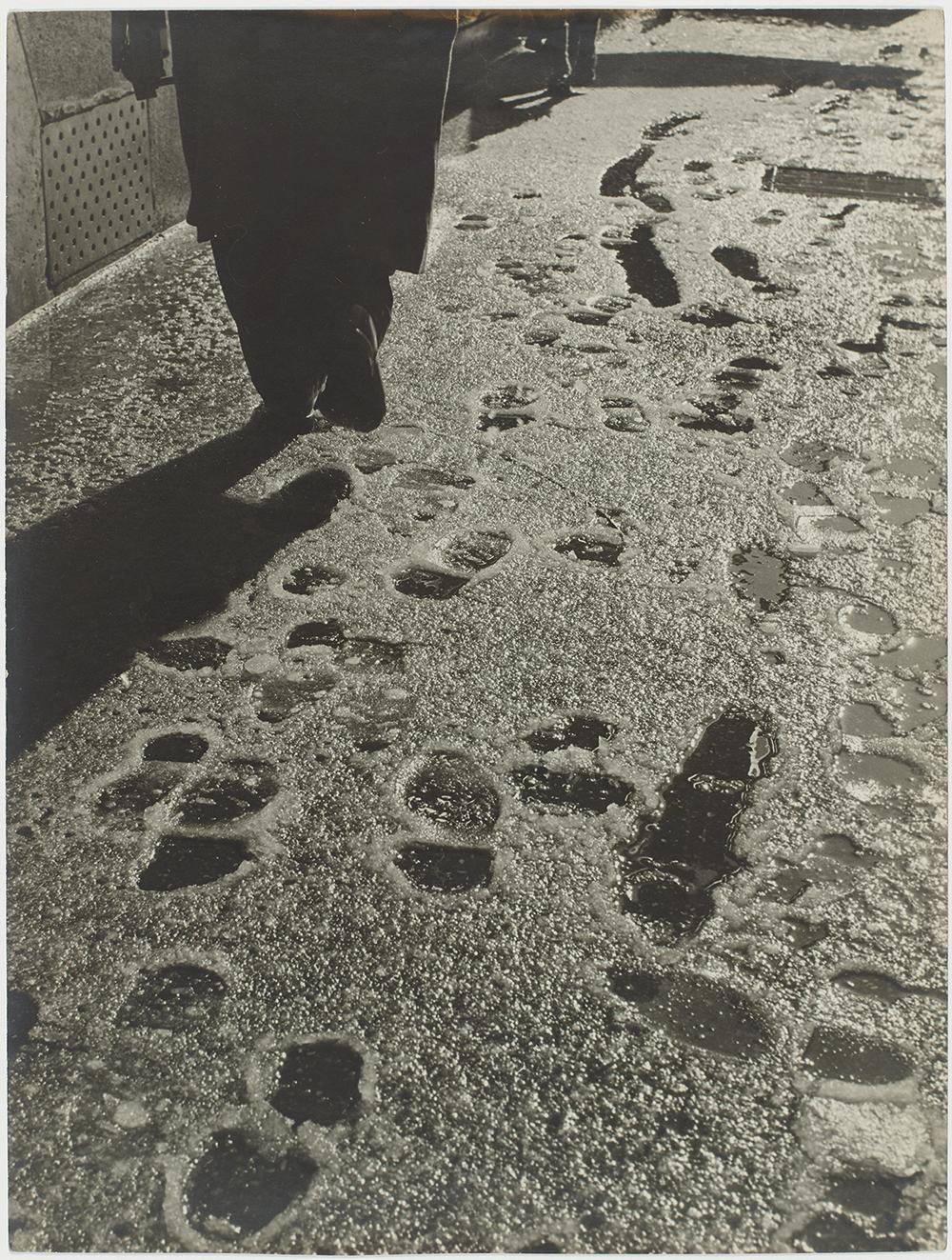Βήματα και πατημασιές στο χιόνι, Παρίσι, 1953