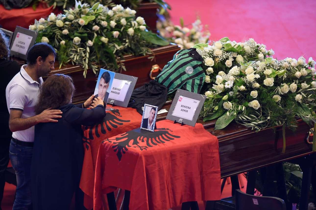 Δύο από τα θύματα -δύο νεαροί άνδρες- ήταν από την Αλβανία