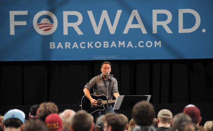 Οκτώβριος 2012. Σε συναυλία υπέρ της επανεκλογής του Μπαράκ Ομπάμα στην Αϊόβα